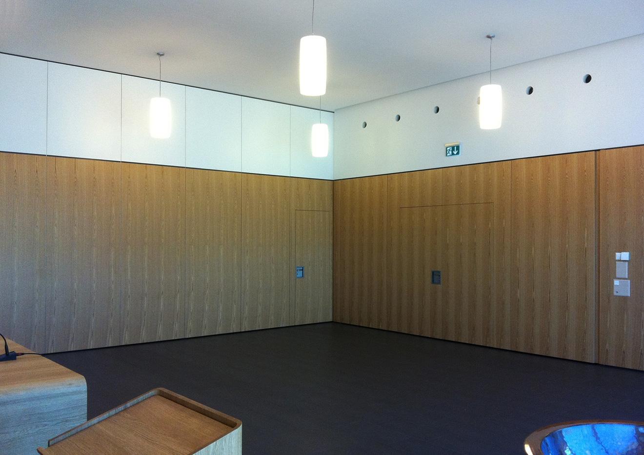 Gunzwil Kirchgemeindehaus Foyer-Saalwand innen