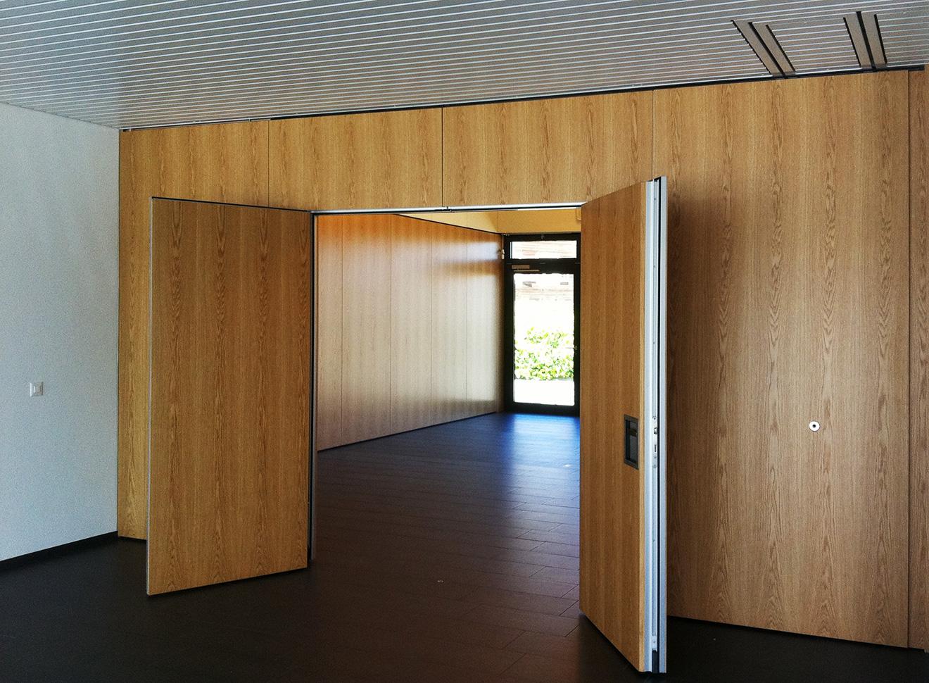Gunzwil Kirchgemeindehaus Foyerwand rechts